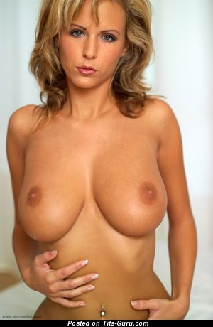 Image. Zuzana Drabinova - hot female with big natural breast picture