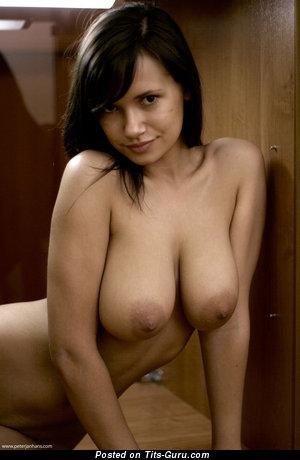 Alona Aka Sandra Aka Anna Aka Ganeli - naked awesome girl with medium natural tits pic