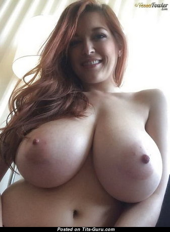 Beautiful Undressed Red Hair Babe (Sexual Photo)