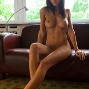 Klaudia: sexy nude brunette with natural tittys picture