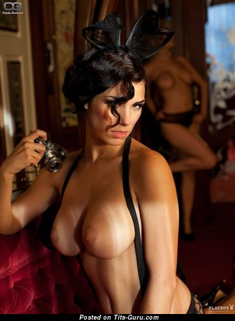 Image. Janine Habeck - hot female with medium natural breast pic