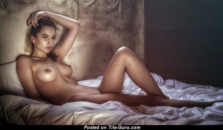 Grand Undressed Babe (Sex Picture)