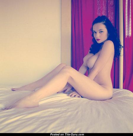 Изображение. Фото шикарной обнажённой женщины с большими сиськами