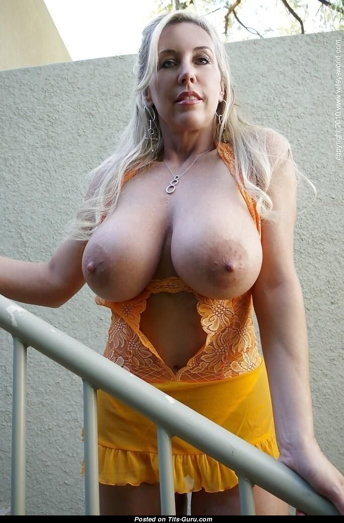 Wifey Aka Sandra Collison - Blonde Babe With Open Real Big Sized Boobys Sex Foto 11032018 19 -6644