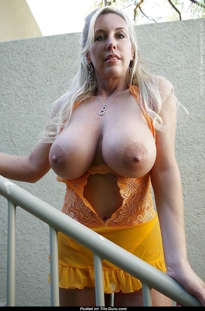 Latest sexy boobs