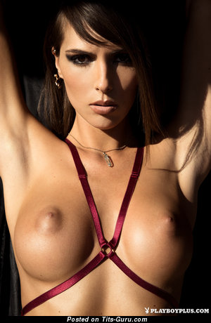 Brittny Ward - Sweet Topless American Playboy Brunette Babe with Sweet Exposed Normal Boob & Erect Nipples (Hd 18+ Photoshoot)