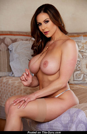 Kendra Lust - nude amazing girl with medium tittys pic