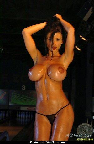 Splendid Floozy with Splendid Exposed Silicone Ddd Size Titties (Sex Pix)