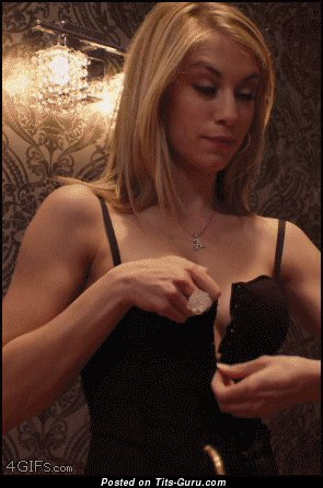 Image. Naked awesome woman with medium natural breast gif