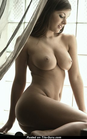 Pretty Naked Babe (Hd Sex Photoshoot)