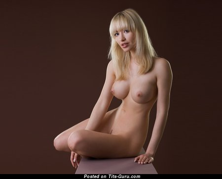Image. Naked wonderful woman with big tittes pic