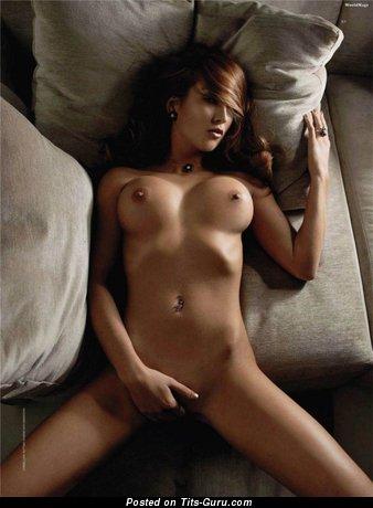 Изображение. Изображение умопомрачительной голой женщины с большими сиськами