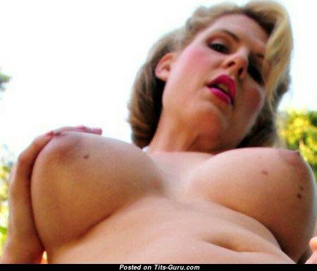 Фотография шикарной обнажённой блондинки