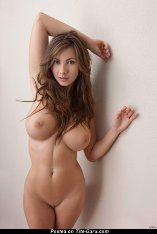 Image. Connie Carter - sexy nude brunette with medium tittys picture