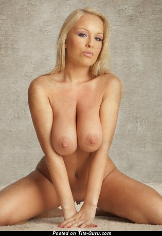 Akissa - naked blonde with big natural tittes image