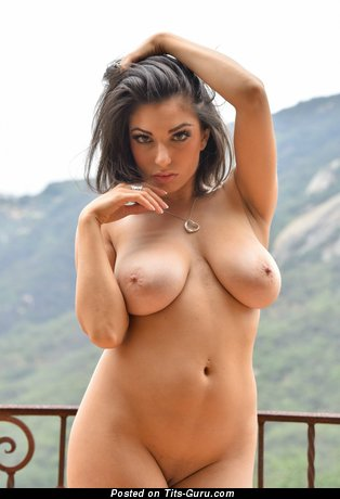 Alluring Babe with Alluring Nude Real Med Melons (Hd Xxx Foto)