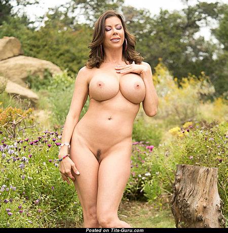 Cute Naked Babe (Xxx Pix)