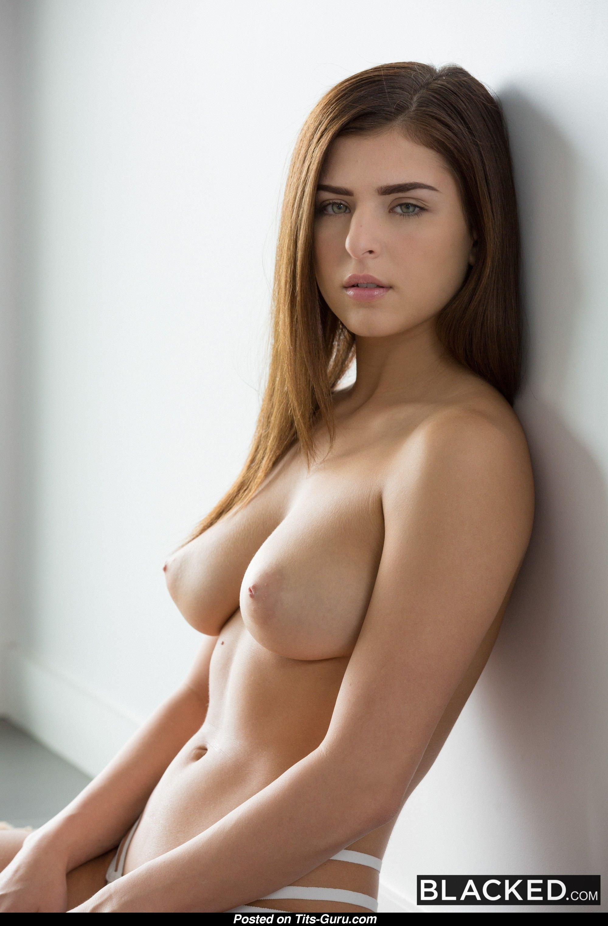 Leah Gotti Naked Amazing Girl With Medium Natural Boob Image-5598