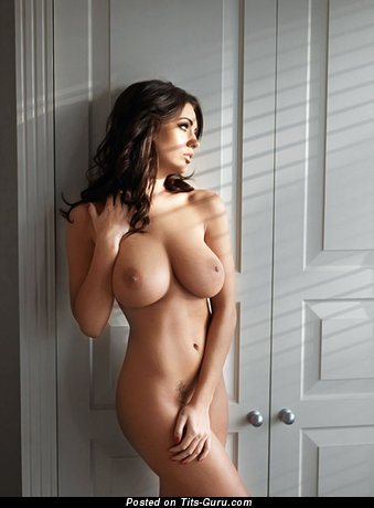 Image. Holly Peers - nude hot lady image