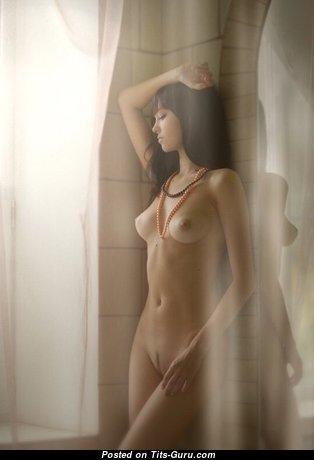 Grand Undressed Brunette (Sex Photo)