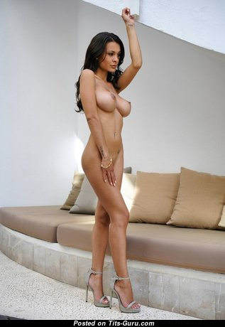 Superb Naked Babe (Xxx Picture)