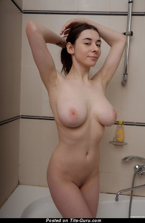 Clary - nude brunette with natural tittys image