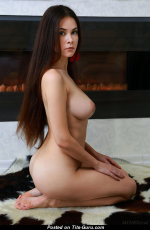 Martina Mink - Hot Babe with Hot Exposed Natural Tight Titty (Hd 18+ Image)