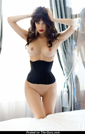 Image. Jen Humphrey - naked brunette with medium boobs photo