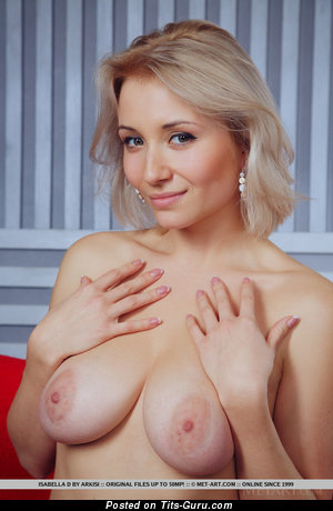 Image. Isabella D - naked wonderful female with big natural tittys pic