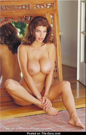 Изображение. Shae Marks - фотография сексуальной обнажённой блондинки с большими сиськами ретро