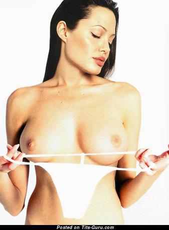 Изображение. Фотка шикарной раздетой женщины с большими натуральными сиськами