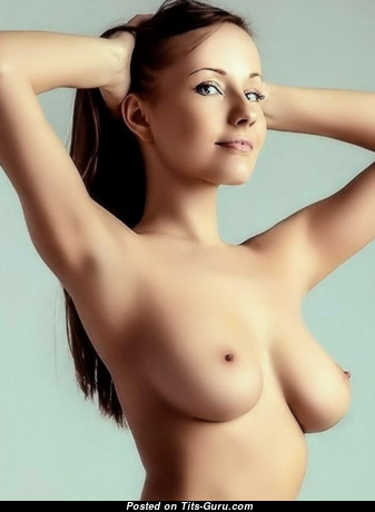 Fascinating Babe with Adorable Nude Natural Medium Sized Tittys (Xxx Pic)