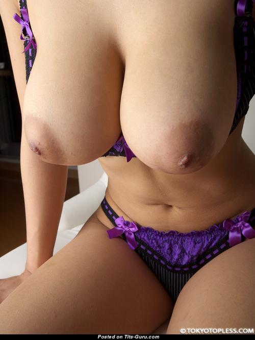 Asami Kisaragi - Nude Asian With Huge Natural Boob Pic -2845