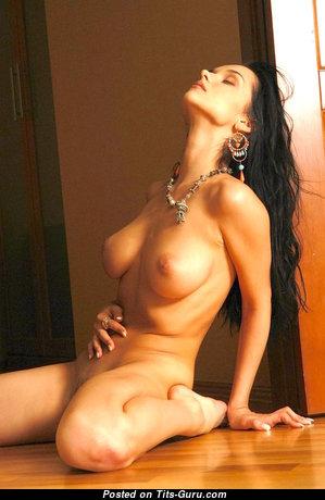 Evgeniya Diordychuk - Magnificent Glamour Naked Brunette with Big Nipples (Hd Xxx Image)