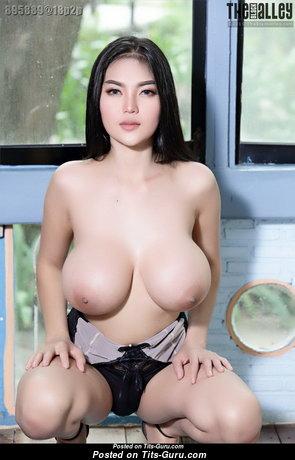 Feii Orapun - Lovely Nude Asian Floozy (Hd 18+ Photo)