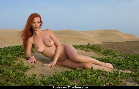 Nude amazing lady with big natural tittes pic