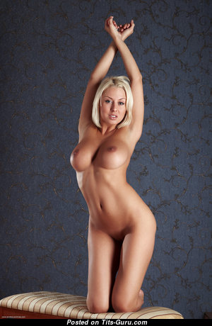 Magnificent Babe with Magnificent Defenseless C Size Tit (Porn Photo)