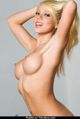 Shawna Lenee - Pretty American Babe & Pornstar with Pretty Nude Fake Breasts (18+ Pix)