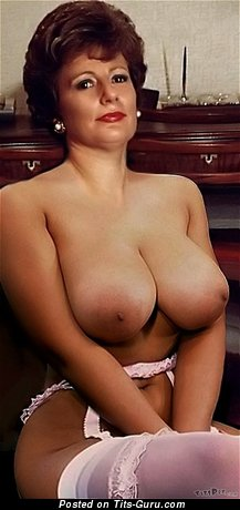 Moyra: amateur nude beautiful woman with big natural tots vintage
