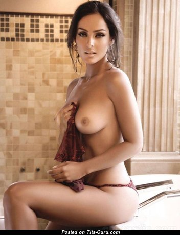 Marvelous Babe with Marvelous Naked Natural Medium Titty (Sexual Image)