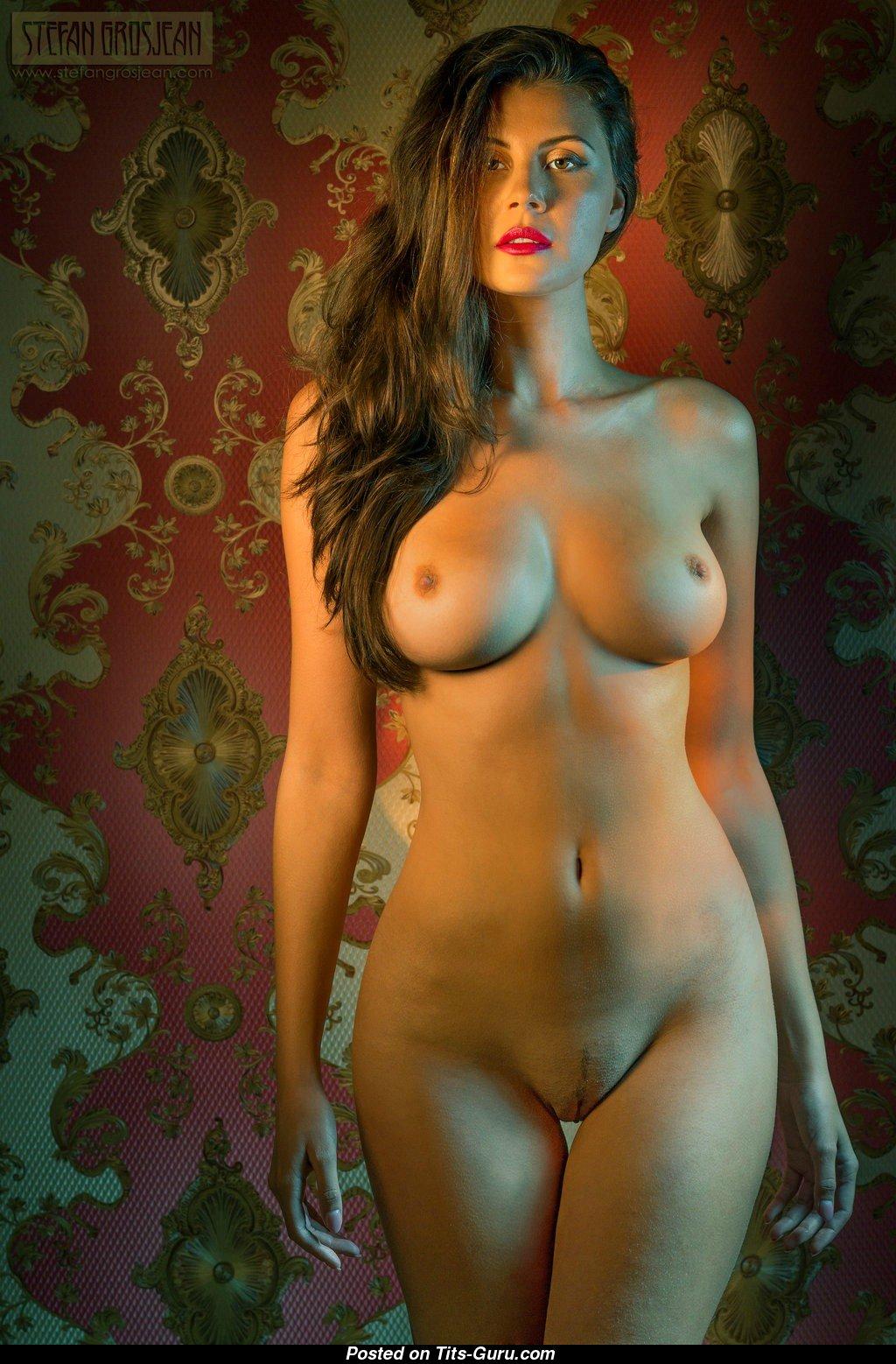 Olga Kamiska - Brunette With Exposed Soft Busts Sex -8431