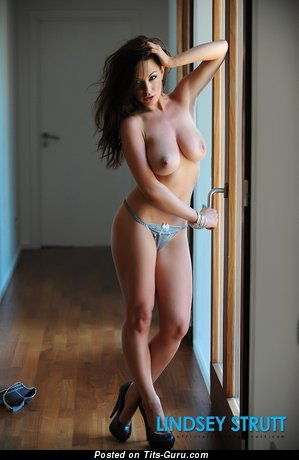 Image. Lindsey Strutt - nude brunette with big natural boobies picture