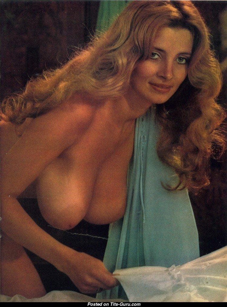 Janet Lupo Naked 37
