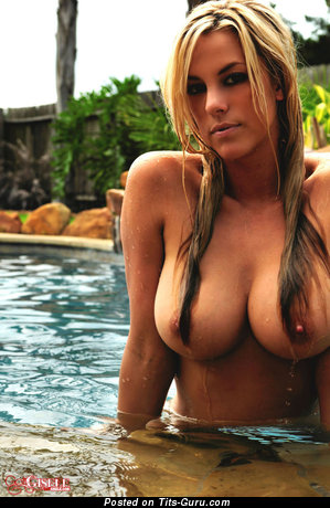 Image. Got Gisele - sexy wet nude blonde with big tots picture
