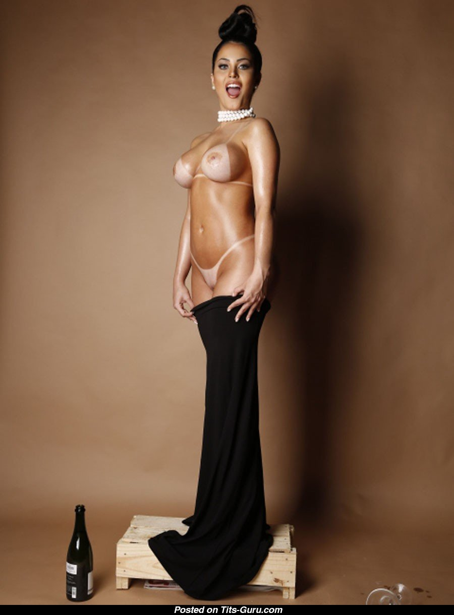 Latina claudia nude photos
