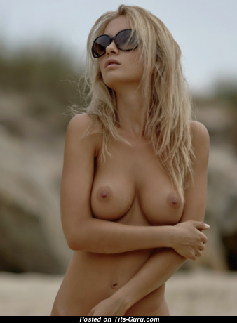 Alluring Babe with Alluring Naked Real Med Chest (Sex Photoshoot)