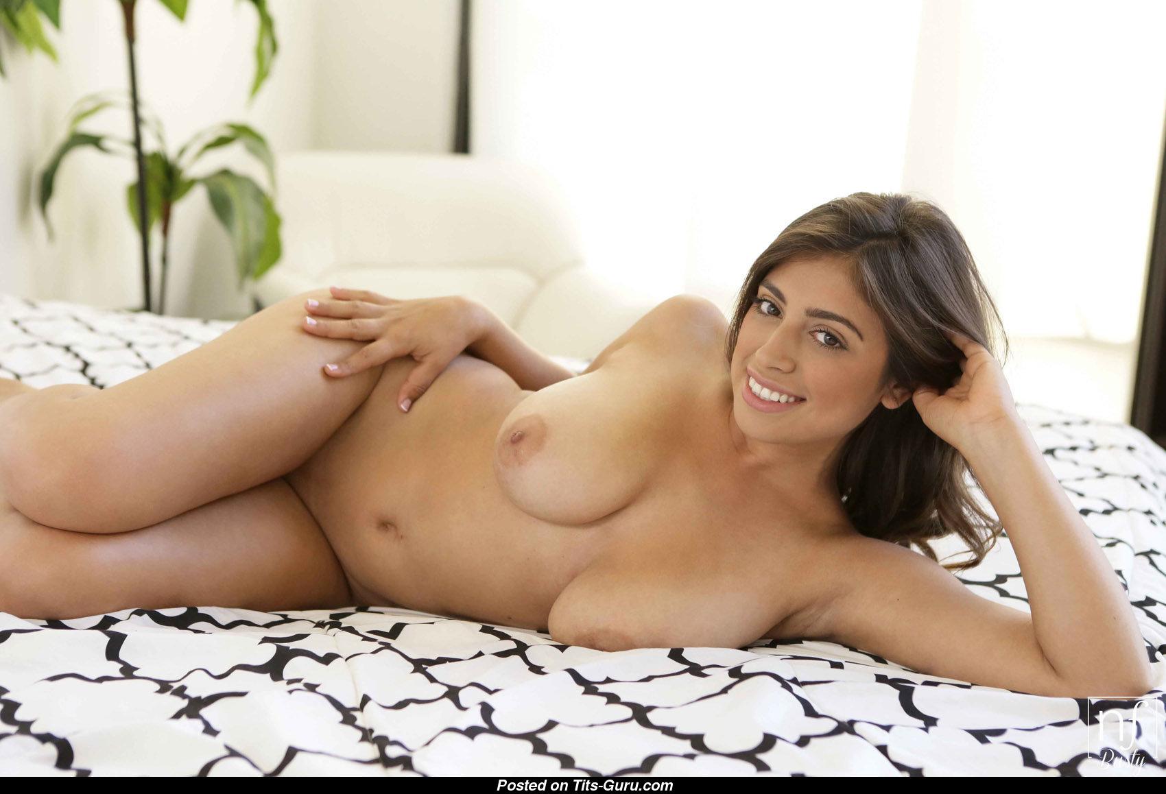 Фото голая латинки, Голые латинки - эротические фото попок и сисек латинок 21 фотография