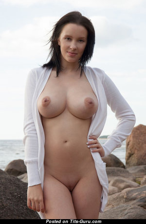 Agatha - Stunning Babe with Stunning Exposed Natural Medium Sized Boobys (Sexual Foto)