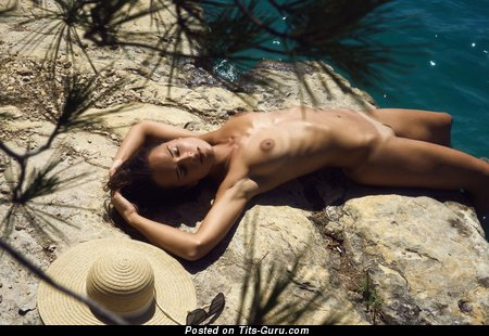 Grand Undressed Babe (Hd Sexual Pix)