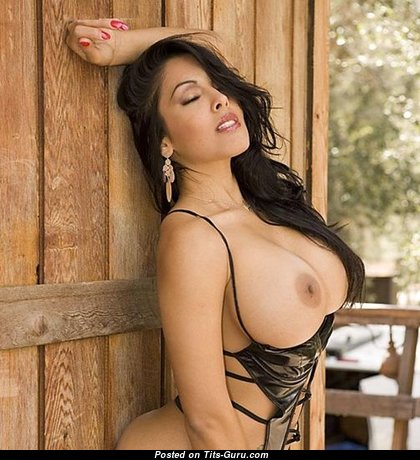Delightful Babe with Delightful Naked Mega Knockers & Pointy Nipples (Porn Pic)